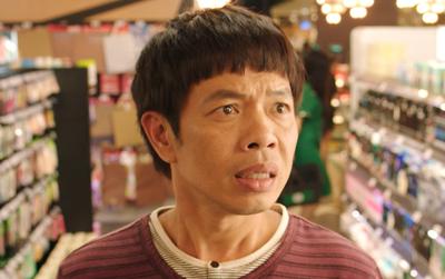 """Clip: Có là vợ đảm như Thái Hòa cũng đến lúc hoang mang trước """"mê cung""""... băng vệ sinh"""