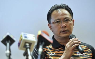 Vừa chê chiến thuật của Việt Nam, Malaysia lại học theo để giành vé lịch sử