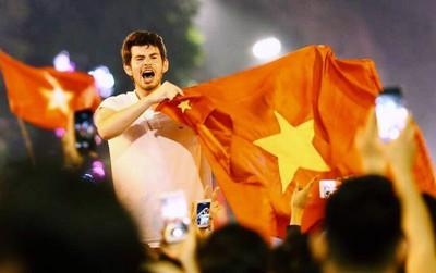 Chiến thắng địa chấn của U23: Lâu lắm rồi Việt Nam mới có không khí ăn mừng bóng đá rộn ràng hơn cả Tết!