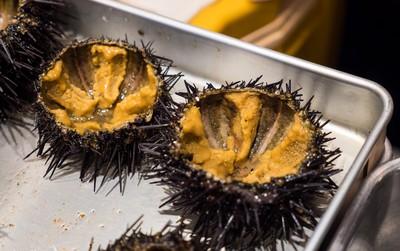 8 món đặc sản nên thử qua khi đến chợ cá Tsukiji nổi tiếng ở Nhật Bản
