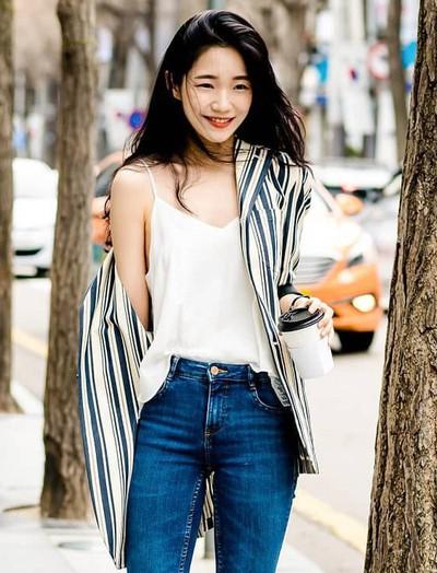 """Street style của con gái Hàn tuần qua: chẳng cầu kỳ mà đẹp phát mê, ai xem xong cũng dễ """"crush"""""""