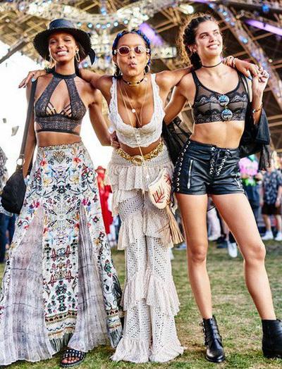 """Học style của các bạn trẻ tại Coachella 2018 để lên đồ thật """"đỉnh"""" cho mùa quẩy sắp tới"""