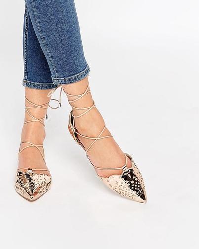 Gợi ý 10 mẫu giày bệt buộc dây cực hot trong mùa hè này