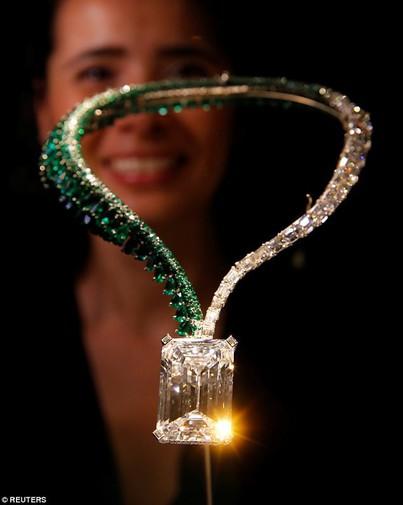 Trông bé thế thôi nhưng viên kim cương này có giá còn đắt hơn 200 căn hộ chung cư