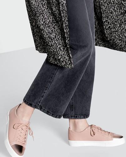 Gợi ý 5 mẫu giày ánh kim sành điệu giá rẻ dành cho các cô nàng