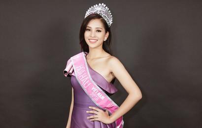 Hoa hậu Tiểu Vy được cấp học bổng gần 500 triệu đồng và sẽ học 1 năm Tiếng Anh để nhận chứng chỉ tương đương IELTS 6.0