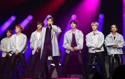 """Hàng loạt fan lên tiếng """"tố"""" bị bảo vệ của BigHit quấy rối và phân biệt đối xử trong concert của BTS"""