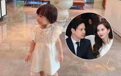 Đặng Thu Thảo khoe con gái lớn phổng phao, thích thú khám phá nơi làm việc của ba là doanh nhân Trung Tín