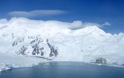 """Video cho thấy thực tế """"không như ta nghĩ"""" về chuyện băng tan ở Nam Cực"""