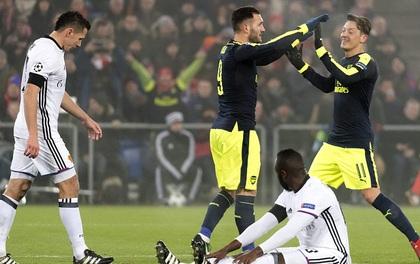 Arsenal gây sốc, đứng nhất bảng Champions League sau 6 năm