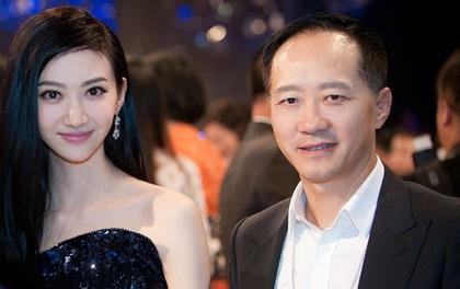 """Phong Hành hé lộ thông tin sao nữ phim """"Kong"""" hẹn hò với đại gia U50"""