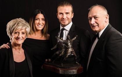 David Beckham chia sẻ ảnh hiếm hoi về bố mẹ và em gái ruột