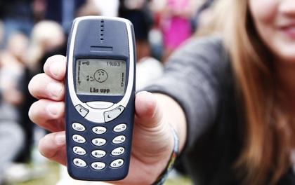 """Có ai còn nhớ những kí ức tuổi thơ gắn liền với điện thoại """"cục gạch"""" Nokia này?"""