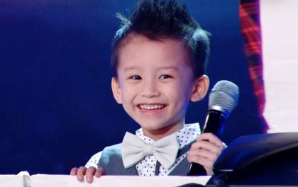 """""""Thần đồng Bolero"""" 4 tuổi xinh trai, thánh thiện, hát lại quá ngọt"""