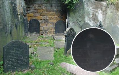 Bắt gặp bóng trắng mờ ảo thoắt ẩn, thoắt hiện trong khu nghĩa trang chôn cất 58 nghìn người