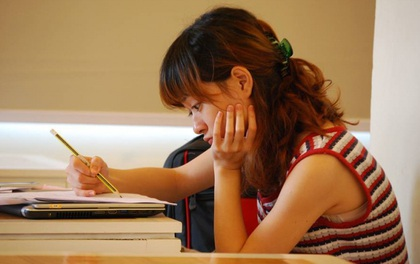 Chăm chỉ học hành mà vẫn không tiến bộ? Ngừng chán nản, bạn hãy thay đổi ngay 5 điều sau