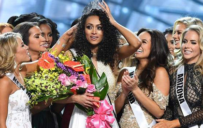 Vượt qua loạt mỹ nhân gợi cảm, nhà khoa học nữ đăng quang Hoa hậu Mỹ 2017
