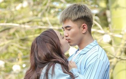 Will - Kaity Nguyễn cứ hở ra là... hôn nhau và ngọt ngào thế này trên phim trường!