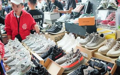 Sài Gòn: Cận cảnh sự kiện lớn nhất năm về giày sneaker đang thu hút hàng ngàn bạn trẻ đến tham dự!