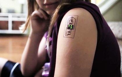 Hình xăm dẫn điện không chỉ cá tính mà còn có chức năng theo dõi sức khỏe