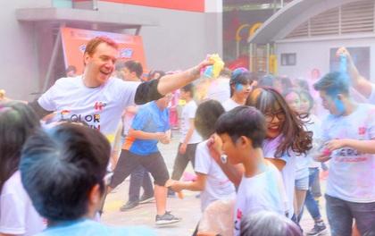 Thầy trò trường Hanoi Academy quẩy tưng bừng với hội chợ xuân