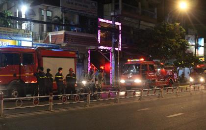 TP.HCM: Cháy nhà trong hẻm, dân ở phố nhậu hỗn loạn tháo chạy thục mạng