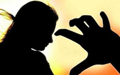 Kinh hoàng chỉ trong vòng vài giờ, cô bé 15 tuổi bị hãm hiếp tập thể sau đó đi cầu cứu thì lại bị hãm hiếp một lần nữa