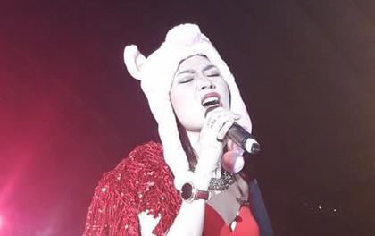 Clip: Mỹ Tâm đội mũ heo đáng yêu, hát nhảy sung với khán giả Đà Nẵng bất chấp thời tiết rét buốt