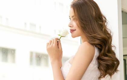 Mải miết với The Look, Phạm Hương vẫn không chối từ vị trí vedette tại Dubai Fashion Week