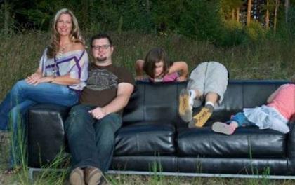 18 em bé chả thiết tha gì chuyện chụp ảnh cùng gia đình