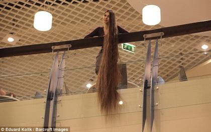 Tìm thấy công chúa Rapunzel đời thật với mái tóc dài hơn 2m