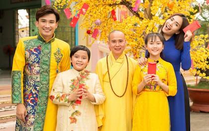 Việt Nam tươi đẹp: Ái Phương, Chí Thiện cùng bé Bảo An, Thụy Bình trải nghiệm Tết phương Nam