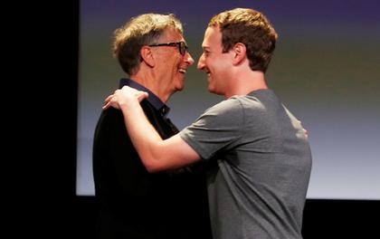 Ông chủ Facebook đặt câu hỏi trên livestream của vợ chồng Bill Gates, và câu trả lời của họ thực sự đắt giá