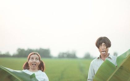 """""""Quan trọng là thần thái"""": Bộ ảnh tái xuất của cặp đôi """"25 năm gắn bó cánh đồng"""" từng gây bão"""