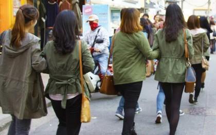 """Mẫu Nhật gây tranh cãi nảy lửa vì thẳng thừng nhận xét thời trang Hàn: """"Ai cũng như ai ăn mặc y hệt nhau!"""""""