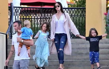 Con trai 6 tuổi thích mặc váy bị các bạn chế giễu, nữ diễn viên Transformer đã cao tay xử lý