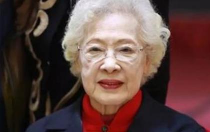 """4 lần mắc bệnh hiểm nghèo, 7 lần phẫu thuật, bà cụ """"siêu nhân"""" ở Trung Quốc trở thành """"ngôi sao vàng"""" trong làng trường thọ khi đánh bại ung thư, vẫn khoẻ mạnh ở tuổi 99: Bí quyết gói gọn trong 4 điều này"""