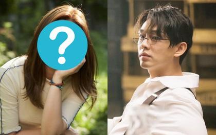 """Yoo Ah In từng khuyên 1 nữ diễn viên đừng """"dao kéo"""", 6 năm sau cô giành giải Oscar với nhan sắc từng bị chê thậm tệ"""