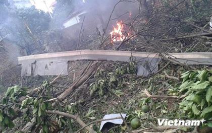 Hiện trường vụ rơi máy bay trực thăng ở Thạch Thất