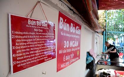 """Quán bún bò gân hút khách nhờ treo biển nội quy """"độc đáo nhất Sài Gòn"""""""