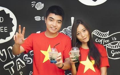 """Giới trẻ Hà thành """"nô nức"""" mặc áo đỏ... đi uống cà phê"""