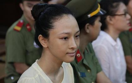 Xét xử hoa hậu Phương Nga lừa 17 tỷ của đại gia: Bị cáo khẳng định mình bị oan