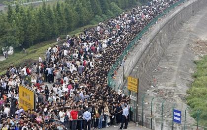 Thêm những hình ảnh cho thấy sự đông đúc đến nghẹt thở tại Trung Quốc