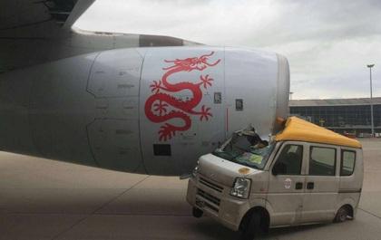 Hong Kong: Ô tô đâm máy bay chở gần 300 người, 1 người bị thương