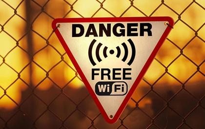 Làm theo 7 điều này khi dùng Wi-Fi công cộng, chẳng ai có thể hack được smartphone của bạn