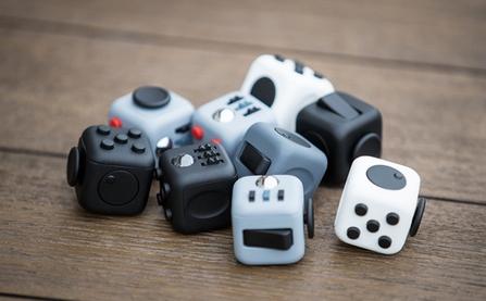"""Fidget Cube: Khi """"sự ngứa tay"""" có giá 500.000 đồng"""