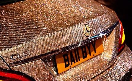 Thèm nhỏ dãi trước siêu xe Mercedes đính 1 triệu viên pha lê lấp lánh của nữ sinh Nga