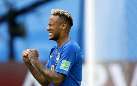 Neymar nổ súng phút bù giờ thứ 6, Brazil vỡ oà như từ cõi chết trở về