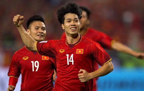 """Việt Nam 2-0 Malaysia: Công Phượng, Anh Đức khiến """"biển đỏ"""" Mỹ Đình vỡ òa cảm xúc"""