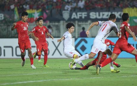 Trực tiếp Myanmar 0-0 Việt Nam (H2): Công Phượng bỏ lỡ cơ hội đáng tiếc
